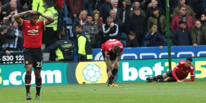 Góc chiến thuật Huddersfield – MU: Cái bóng quá lớn của Pogba - Fellaini 3