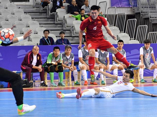 Việt Nam nghẹt thở quật ngã Trung Quốc giải tứ hùng quốc tế (Futsal)