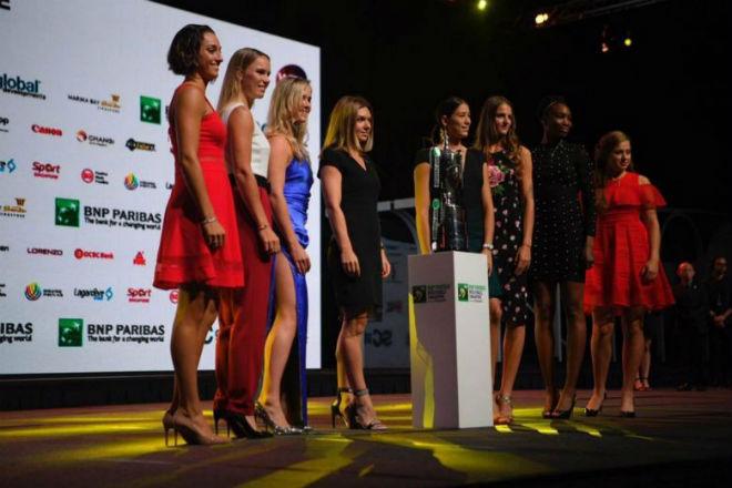 Cập nhật WTA Finals ngày 1: Người đẹp thắng thế 2