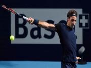 Clip hot tennis:  Ma thuật  của Federer, đổ keo vào vợt