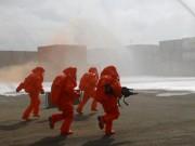 Robot, quân đội cùng cảnh sát diễn tập xử lý cháy hóa chất sau vụ rò rỉ khí độc ở SG