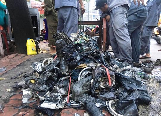 4 máy thay siêu máy bơm chống ngập đường Nguyễn Hữu Cảnh - 2