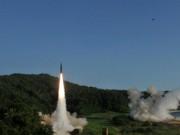 """Hàn Quốc phát triển tên lửa  """" quái vật """"  đối phó Triều Tiên"""