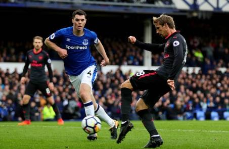 """Chi tiết Everton - Arsenal: Đỉnh cao Sanchez, """"nhát kiếm"""" đau đớn (KT) 21"""