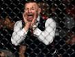 McGregor làm loạn UFC: 'Ma nhập' gào thét, chỉ đạo như HLV