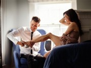 Đàn ông thích dụ đàn bà khờ khạo lên giường