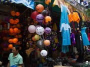 Sôi động thị trường đồ chơi trước ngày hội Halloween