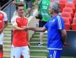 """Ozil tỏa sáng cho Arsenal:  """" Show hàng """"  chờ làm cứu viện MU"""