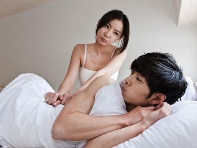 """Cưới 3 năm chỉ """"ngủ"""" với vợ một lần, chồng thú nhận """"sợ ngực phụ nữ"""""""