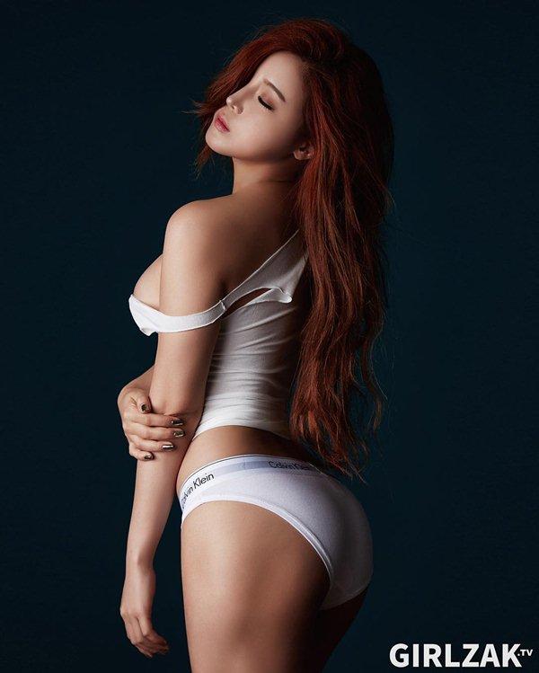 Nữ thần gợi cảm mới của Hàn Quốc mê tít đồ hở cực hiểm