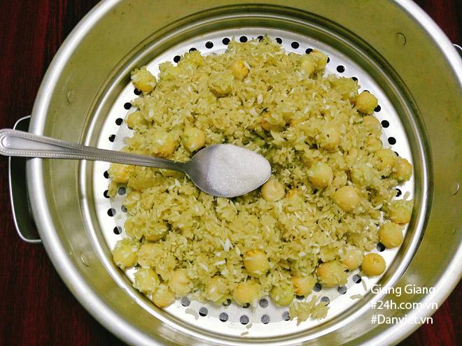 Bữa sáng mùa thu ấm bụng với xôi lá dứa hạt sen thơm dẻo - 8