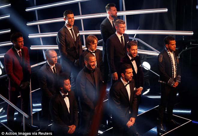 Cuộc đua danh hiệu: MU suy yếu, Ngoại hạng Anh bị FIFA bỏ rơi 1