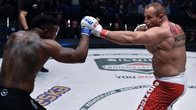 """MMA: Lực sỹ khỏe nhất hành tinh no đòn, """"tim đập chân run"""" 1"""