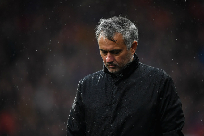 MU sinh biến: Nhiều SAO bất mãn Mourinho, căng thẳng leo thang 3