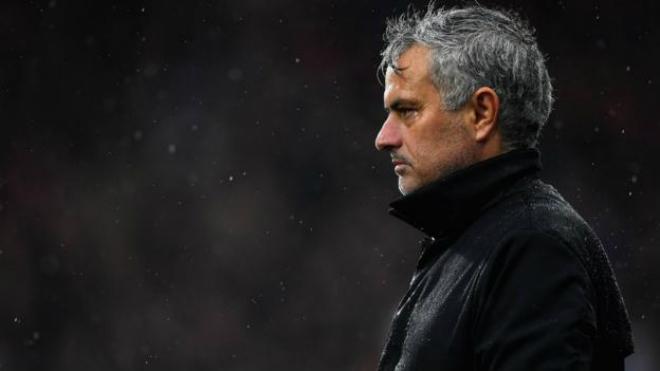 MU sinh biến: Nhiều SAO bất mãn Mourinho, căng thẳng leo thang 1
