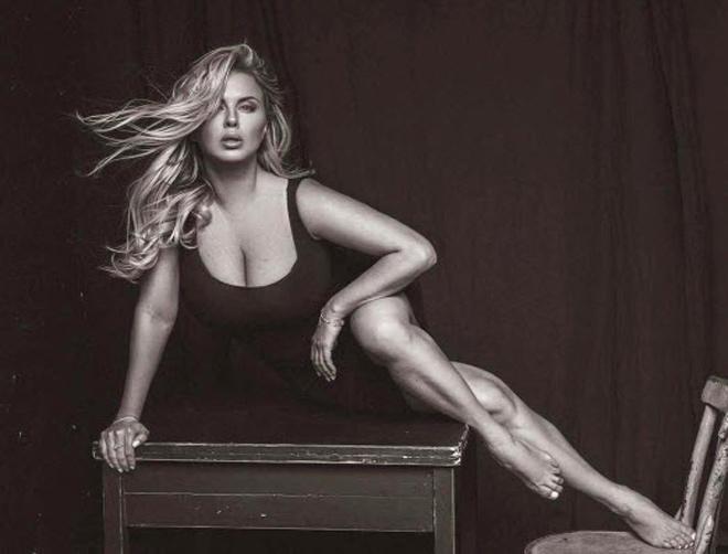 """Nữ VĐV đẹp tựa thiên thần: Mất vô địch thế giới vì """"vòng 1 đồ sộ"""" 4"""