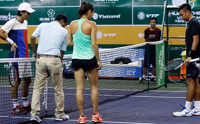 Hoa khôi quần vợt tiếp lửa Hoàng Nam ra quân Vietnam Open 2