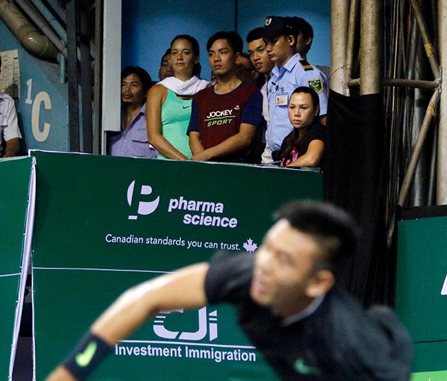Hoa khôi quần vợt tiếp lửa Hoàng Nam ra quân Vietnam Open 5