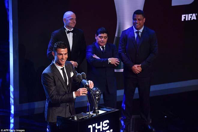 """Ronaldo tung ảnh """"Vua trên ngai vàng"""" triệu like, cộng đồng mạng dậy sóng - 1"""