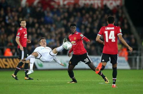 Chi tiết Swansea - MU: Hụt bàn danh dự phút chót (KT) 22