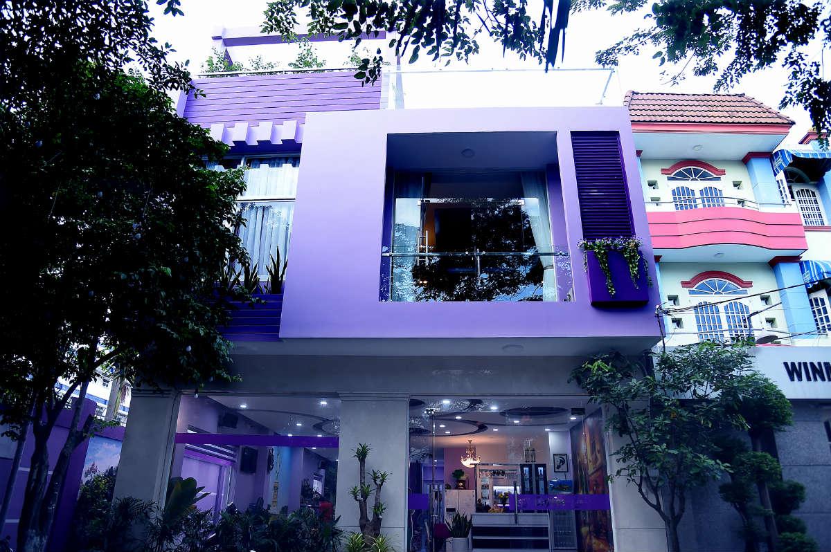 Ngôi nhà màu tím hơn 100 m2 gần triệu đô của nghệ sĩ hài Hồng Tơ - 1