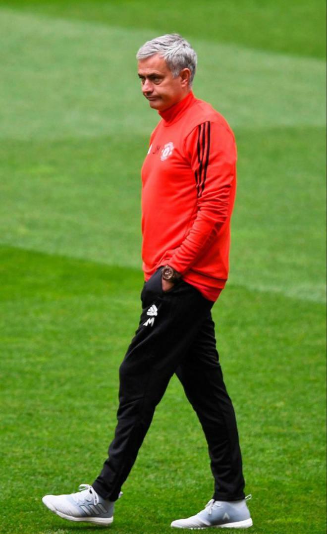 """MU - Mourinho: Không khí ngột ngạt, sân tập như """"nhà xác"""" - 2"""