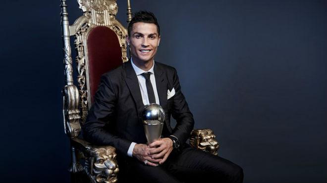 """Messi thua Ronaldo """"The Best"""", thắng """"Quả bóng Vàng"""": Tại sao không? - 1"""