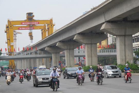"""Mỗi người dân Việt Nam """"gánh"""" 30 triệu đồng nợ công"""