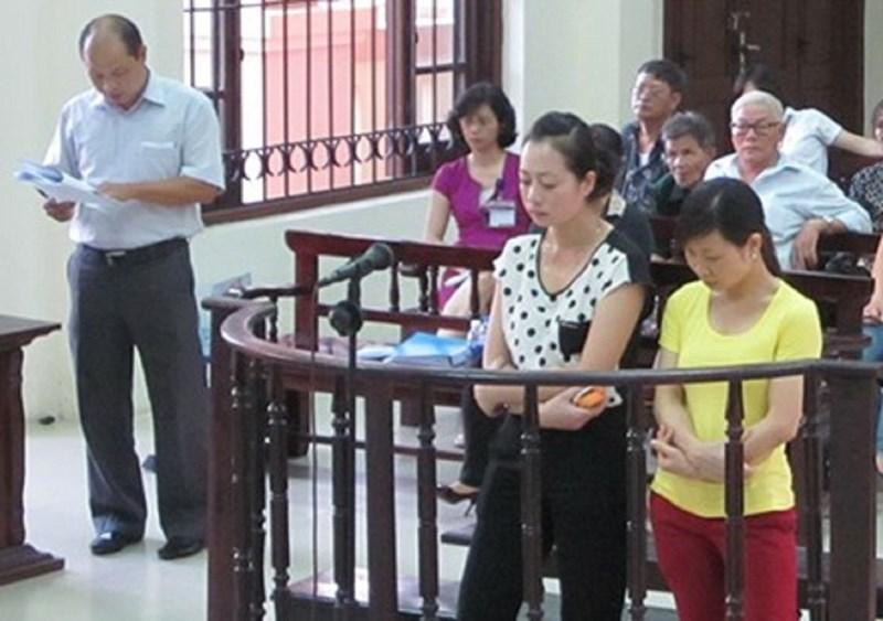 Quỳ gối xin lỗi, 2 cô giáo làm chết trẻ được giảm án