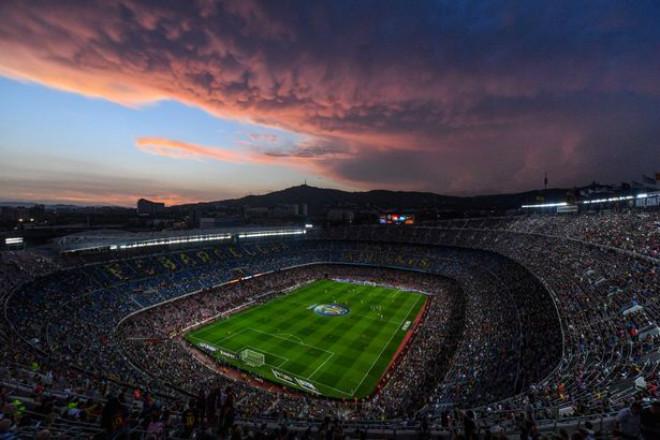Tin HOT bóng đá tối 26/10: Messi góp phần khiến Barca phải bán tên sân 1