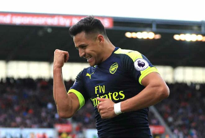 """Arsenal bán Sanchez """"rẻ như cho"""": Barca vui, Man City – PSG phẫn nộ 2"""