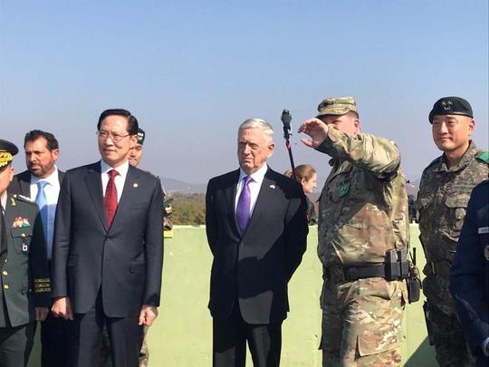Bộ trưởng Quốc phòng Mỹ đến gần