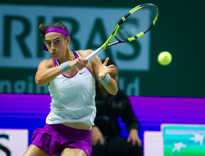 WTA Finals ngày 6: Halep thua sốc, Garcia và Wozniacki vào bán kết 1