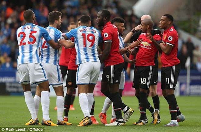 """Mourinho """"sấy tóc"""" dàn sao MU hơn cả Sir Alex, lộ chiến thuật đấu Tottenham 2"""