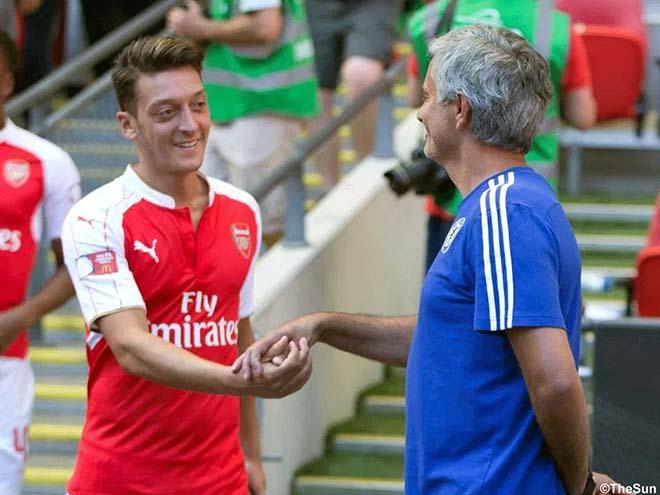 Chuyển nhượng MU: Ozil sắp ký nháy, lương siêu khủng & áo số 10
