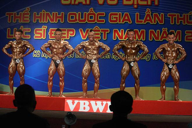 Phạm Văn Mách vô địch thế giới thua lực sỹ cơ bắp cuồn cuộn 1