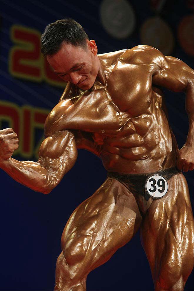 Phạm Văn Mách vô địch thế giới thua lực sỹ cơ bắp cuồn cuộn - 12