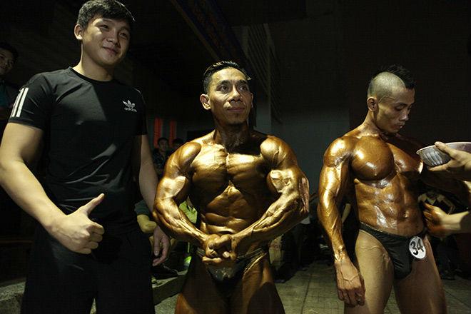 Phạm Văn Mách vô địch thế giới thua lực sỹ cơ bắp cuồn cuộn - 2