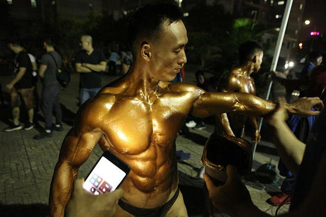 Phạm Văn Mách vô địch thế giới thua lực sỹ cơ bắp cuồn cuộn - 3