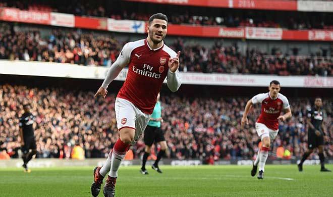 Arsenal - Swansea: Người hùng bất ngờ, ngược dòng 7 phút 1