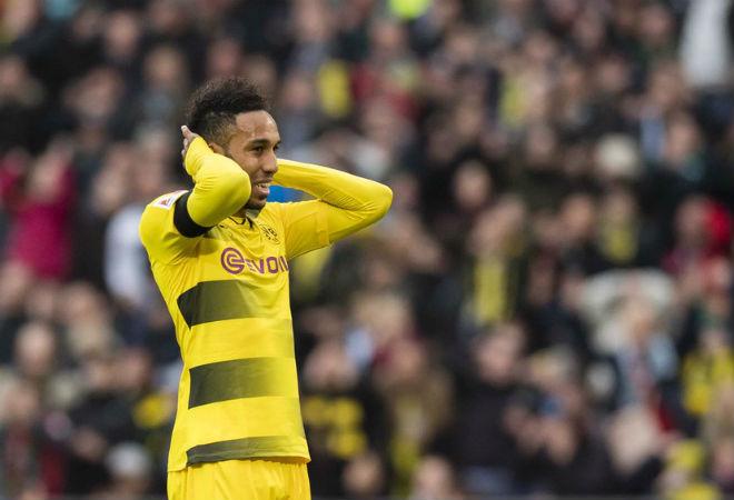 Hannover - Dortmund: Đại tiệc bàn thắng & thẻ đỏ hy hữu - 1