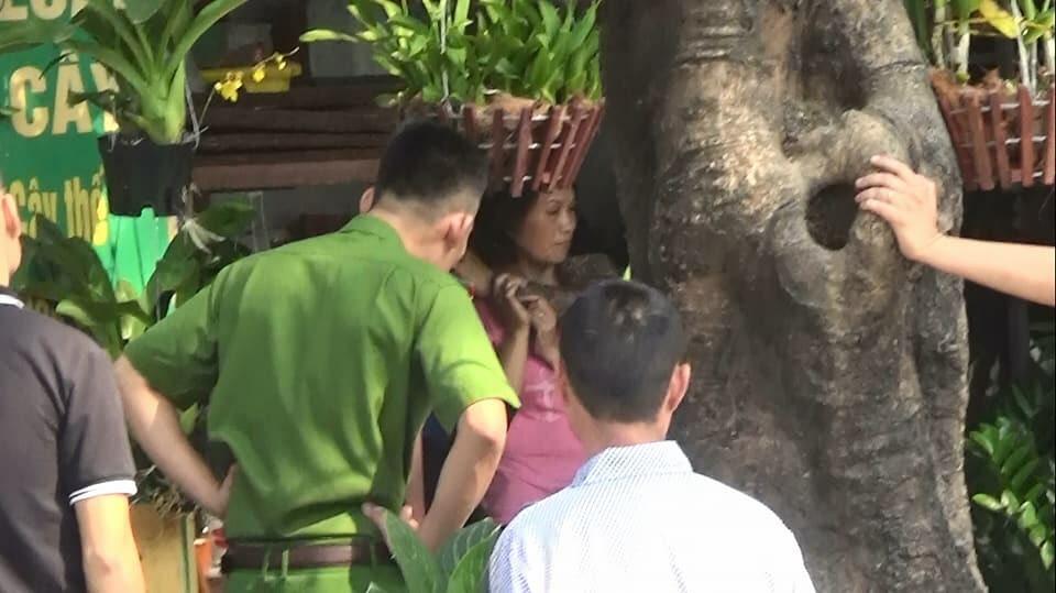 Vụ dùng súng bắt cóc con tin: Đại tá cảnh sát khen bị hại gan dạ - 1