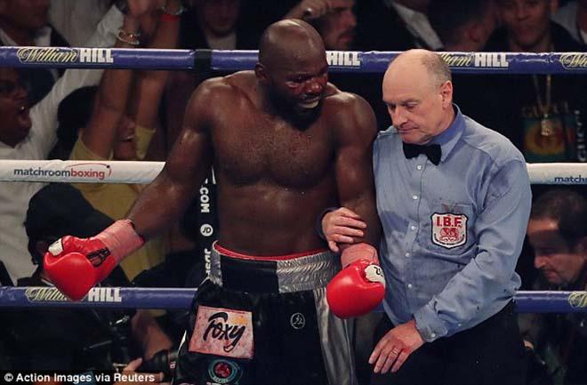 Boxing tuyệt đỉnh, Anthony Joshua - Carlos Takam: Cú đấm sấm sét & 10 hiệp kịch chiến 3
