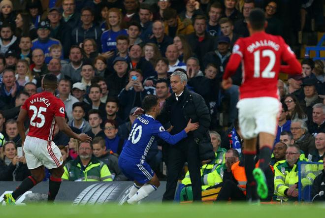 """MU hạ Tottenham: Mourinho chờ """"gậy ông đập lưng ông"""" với Chelsea 3"""