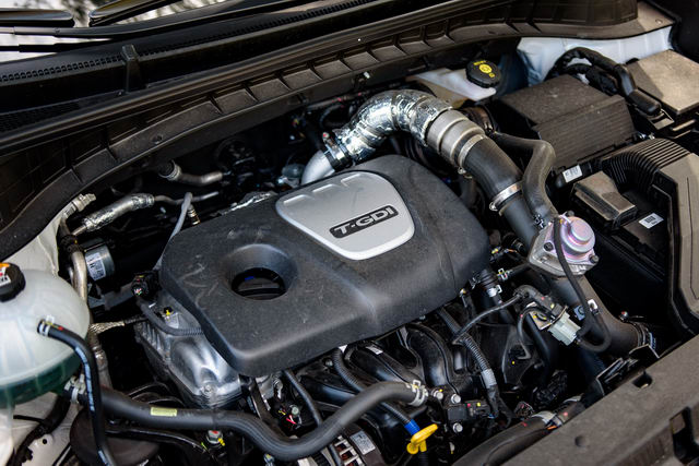 Hyundai Tucson 1.6 Turbo: Sức mạnh ấn tượng! - 2
