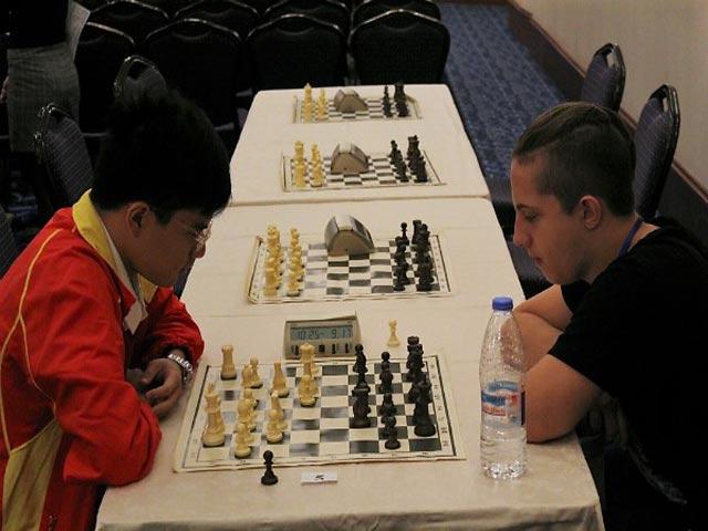 """Nguyễn Anh Khôi giành """"cú đúp vàng"""" cờ vua trẻ thế giới 4"""