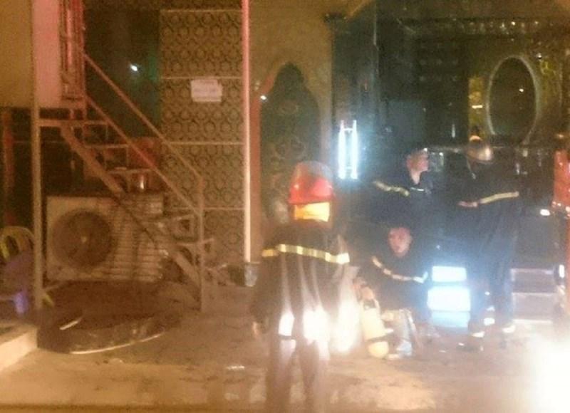 HN: Cháy quán karaoke, 9 xe cứu hỏa nối đuôi dập lửa - 1