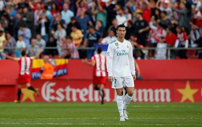 Real thua sốc: Zidane than trời, trách Ronaldo vô duyên - 2