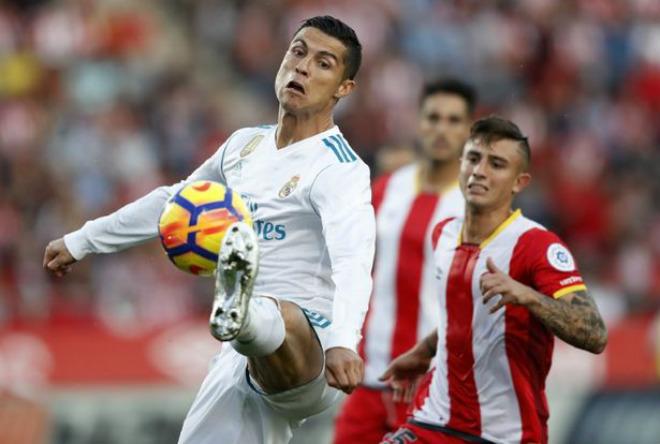 Ronaldo 1 bàn/10 trận: Tự vỗ về, gánh Real què quặt đấu Tottenham
