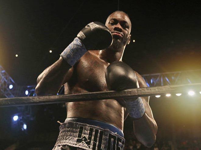 Tin thể thao HOT 30/10: Vua boxing bị vạch mặt điểm yếu chí tử 1
